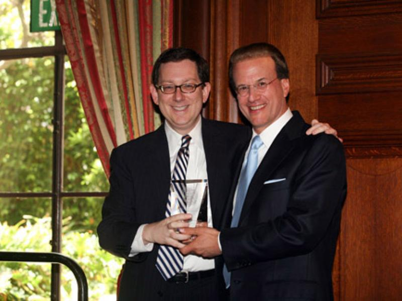 UCLA School of Law Honors Lowell Milken as 2009 Alumnus of the Year