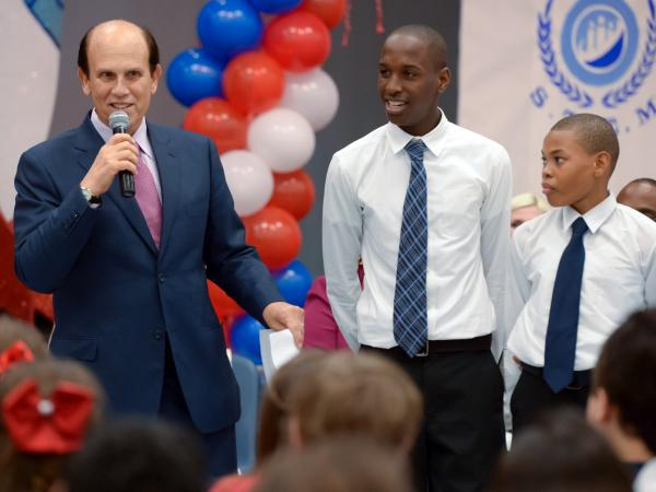 Mike Milken and volunteers