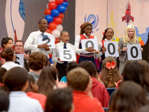 Apollo Middle School volunteers $25000